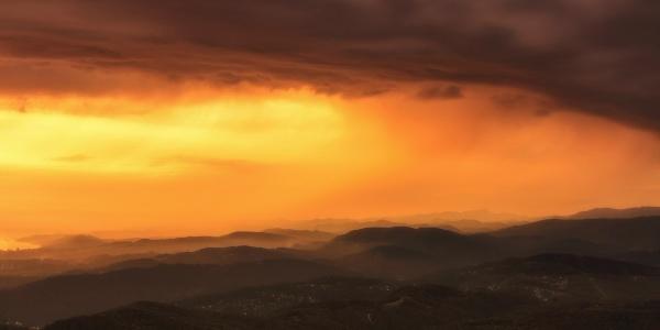 Работа: Закат над городом Сочи