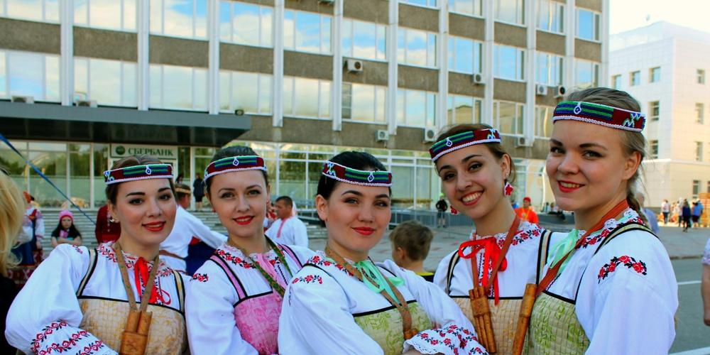 Работа: Есть девушки в русских селеньях