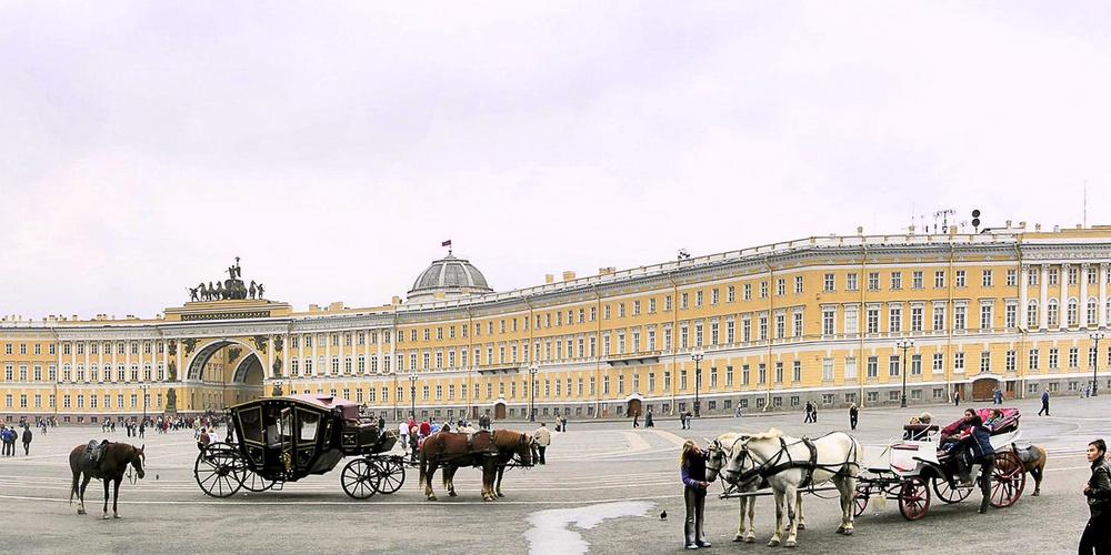 Работа: Дворцовая площадь.