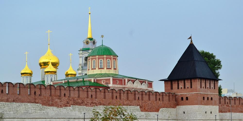 Работа: Тульский кремль. За крепостной стеной
