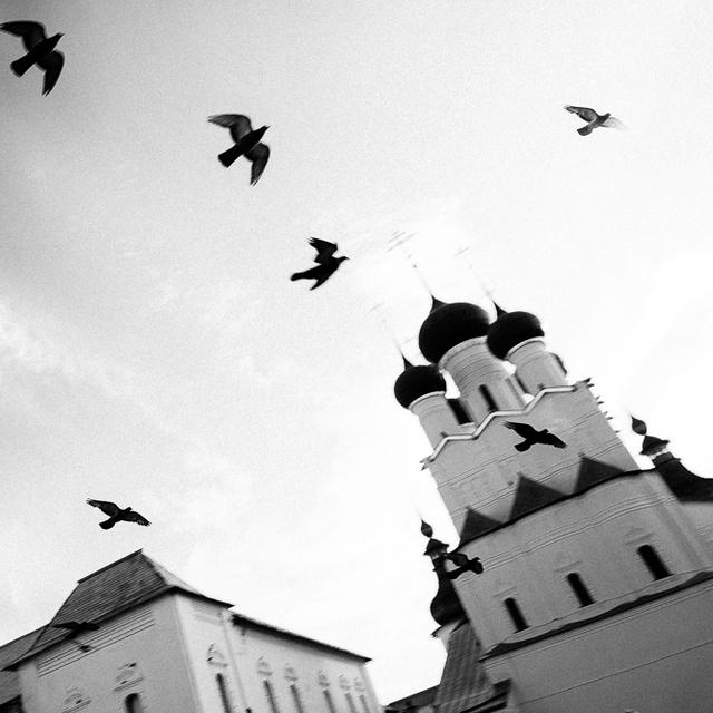 Работа : Ростов Великий. Кремль. Небо. Разноголосие колоколов.