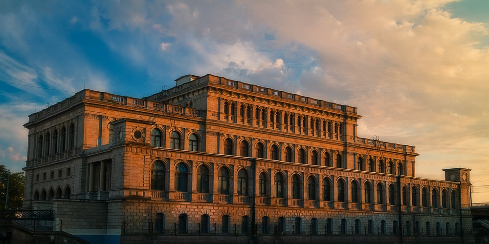 Работа: Здание Кёнигсбергской биржи