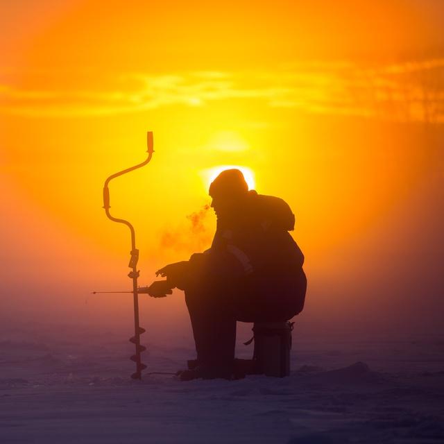 Работа : Особенности русской рыбалки в зимний период