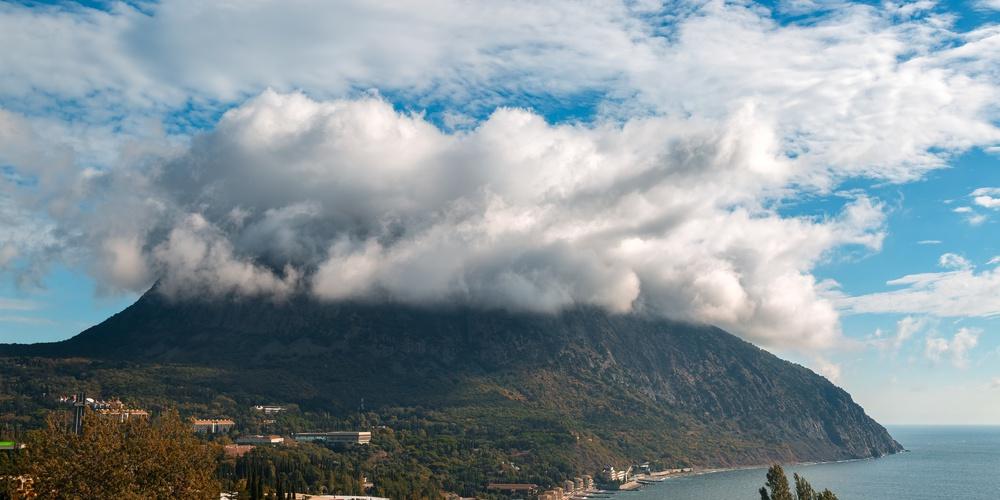 Работа: Лентикулярные облака над Медведь-горой