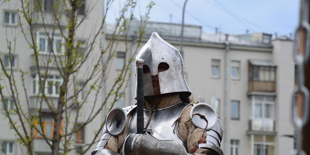 Работа: Британский рыцарь