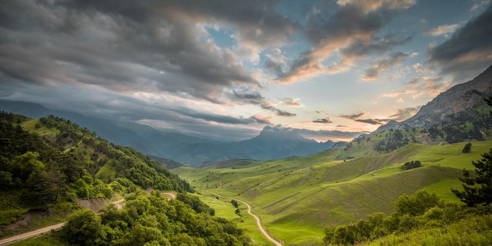 Работа: Закат в горах Ингушетии