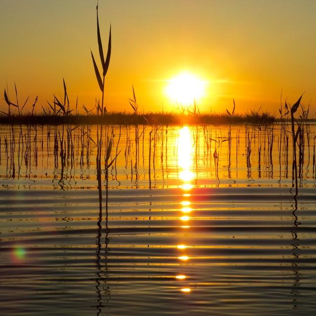Работа : Закат на озере Ик