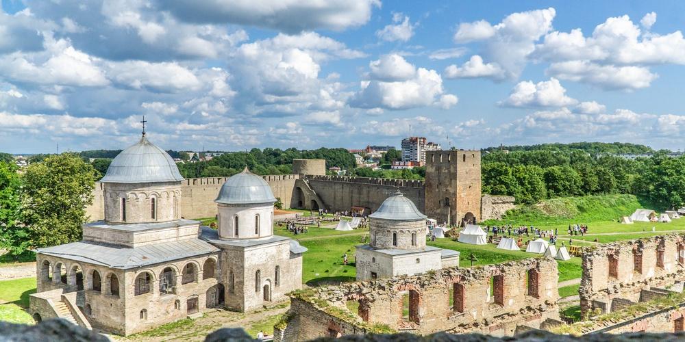 Работа: Один день в Ивангородской крепости