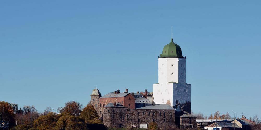 Работа: Выборг. Вид на замок и башню Олафа.